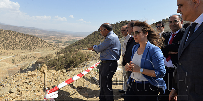 Eau : Afilal visite le chantier du barrage M'dez