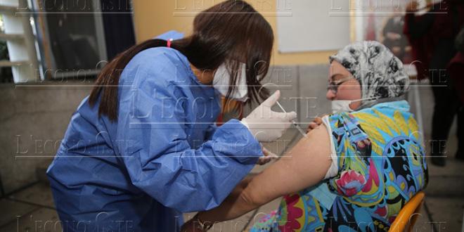 Covid-19: Près de 5 millions de personnes ont reçu leur première dose de vaccin