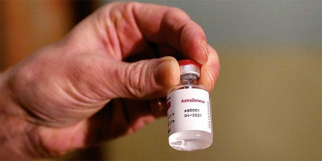 Covid-19: AstraZeneca annonce des résultats encourageants pour un traitement