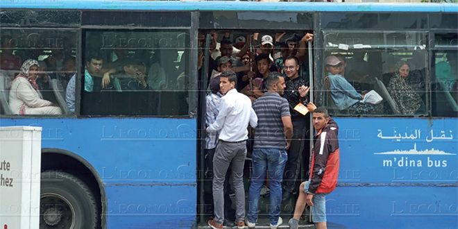 Transport: L'Intérieur limite les places dans les bus et grands taxis