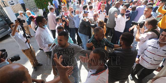 EN IMAGES - L'élection du maire de Rabat reportée après une ambiance tendue