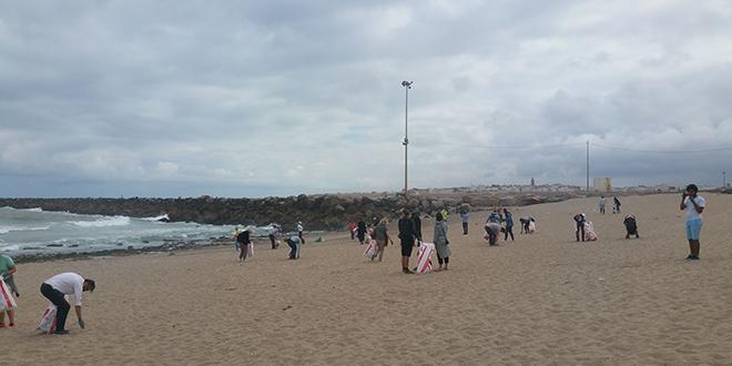 Mobilisation des ambassades Nordiques pour le nettoyage de la plage de Rabat