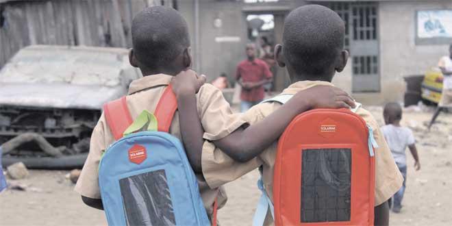 Les écoliers ivoiriens ont leur cartable solaire