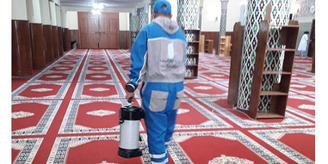 DIAPO/ Casablanca désinfecte ses mosquées