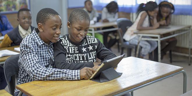 Pays les moins connectés: Connecter les écoles pour booster le PIB