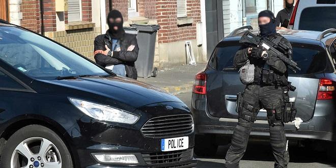 France: Un néo-nazi projetait d'attaquer un lycée et une mosquée
