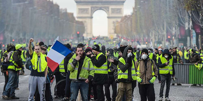«Gilets jaunes» : Tension à Paris