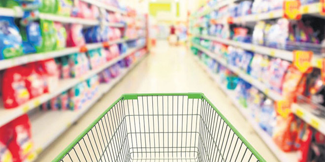 Commerces, souks et grandes surfaces: Les premières mesures