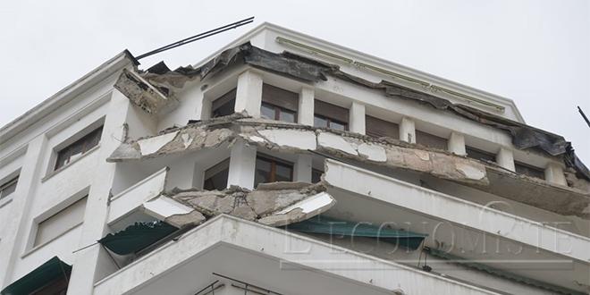 DIAPO/ Casablanca : Une façade d'immeuble s'effondre au centre-ville
