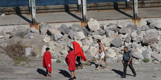 Plus d'une centaine de Marocains rejoignent Sebta à la nage
