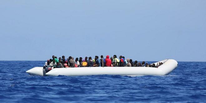 La Marine royale sauve une soixantaine de migrants