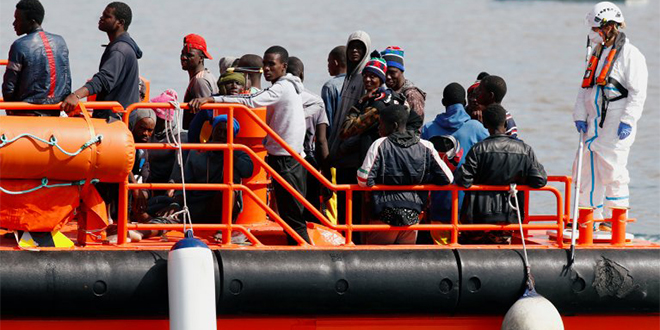 Canaries: Plus de 1.600 migrants en un weekend