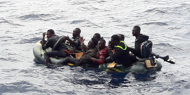 Emigration clandestine : la Marine royale porte assistance à 185 Subsahariens