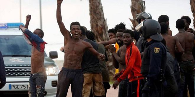 Sebta : Une centaine de migrants forcent la clôture
