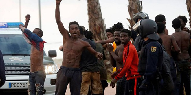 Une cinquantaine de migrants entrent à Melilia