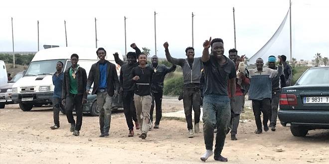 Plus d'une centaine de migrants entrent à Melilia