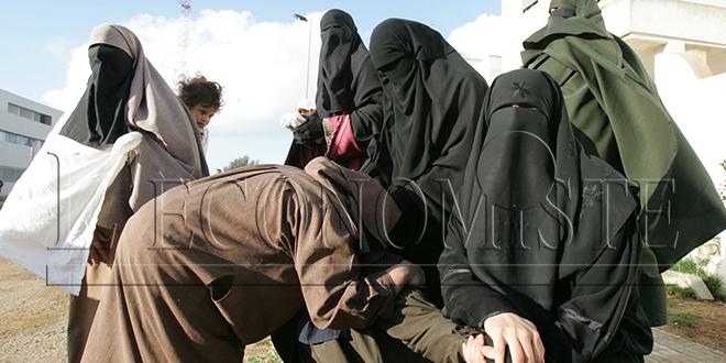 Terrorisme: de la prison ferme pour 3 femmes
