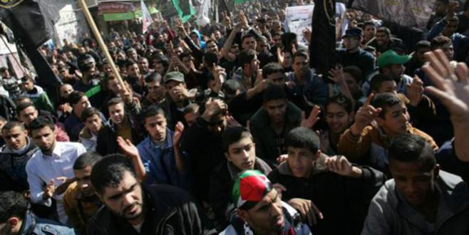 Ramallah : Des palestiniens tombent sous le feu des forces israéliennes