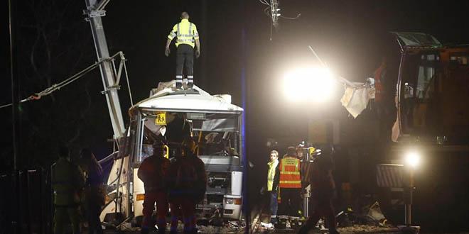 France : quatre morts dans une collision entre un train et un bus scolaire