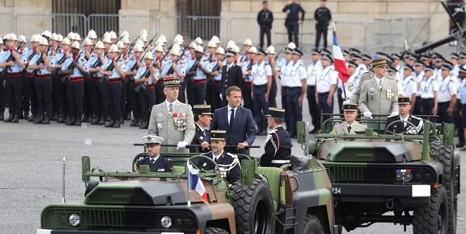 Paris: Le défilé du 14 juillet tenu en format réduit
