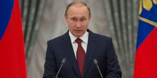 Russie : Poutine, sans surprise