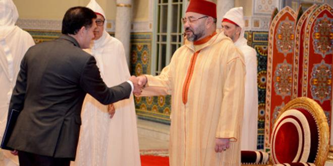 Le Roi reçoit 22 ambassadeurs