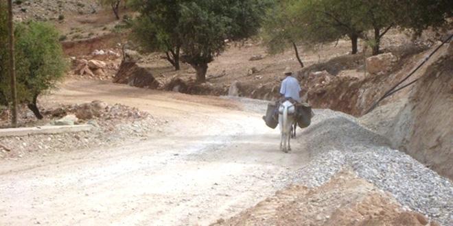 Tiznit: Une photo d'une route dégradée fait réagir le ministre de l'Equipement