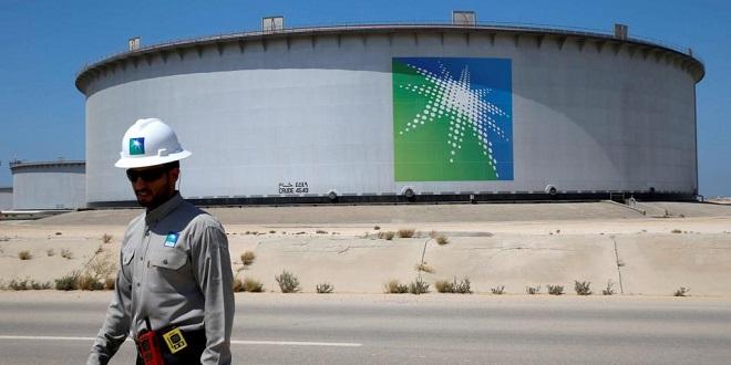 Aramco: Le bénéfice chute de moitié