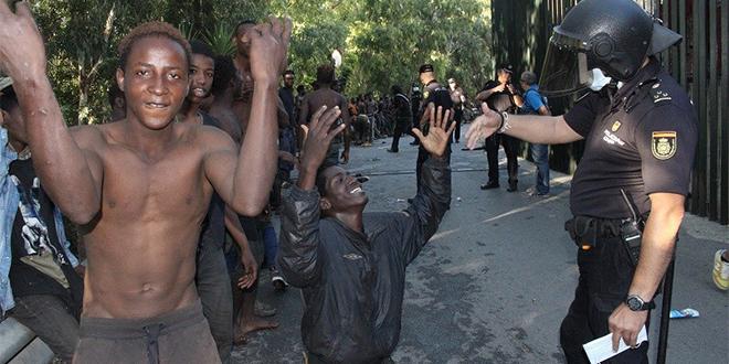 Plus de 400 migrants entrent à Sebta