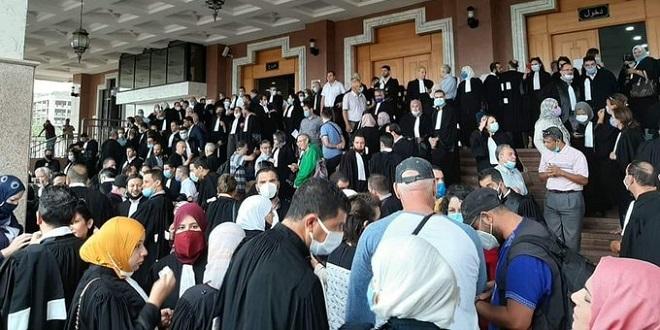 """Algérie: Les avocats réclament une """"justice indépendante"""""""