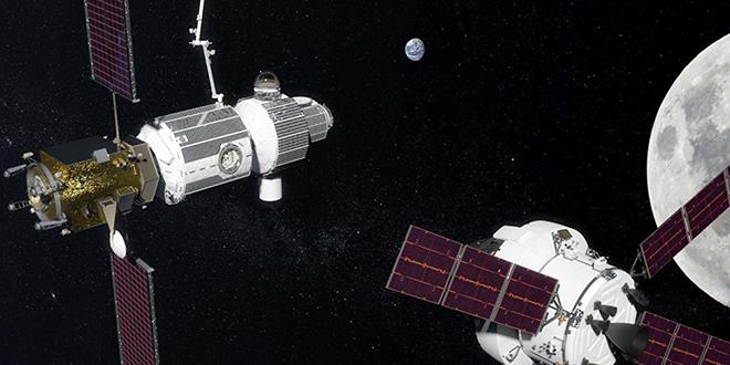Russie : lancement d'un vol habité vers la lune