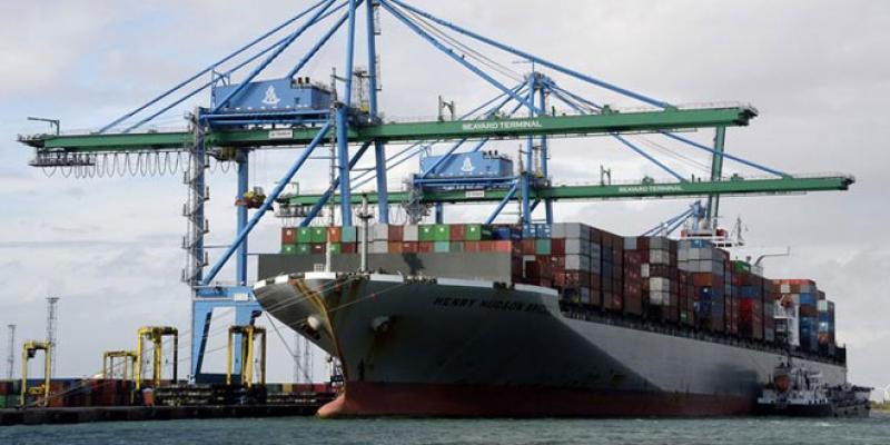 Le déficit commercial s'aggrave