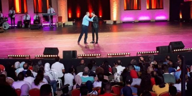 Vidéo/ Juste pour rire : Eko met le feu au théâtre de verdure