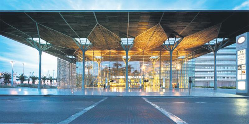 Rêve de gare ou le tour du monde en 50 édifices