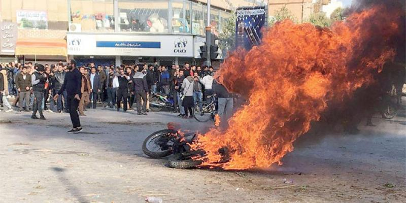 Iran: Le prix des carburants embrase le pays