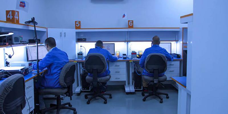 Islahate a son centre de réparation de smartphones