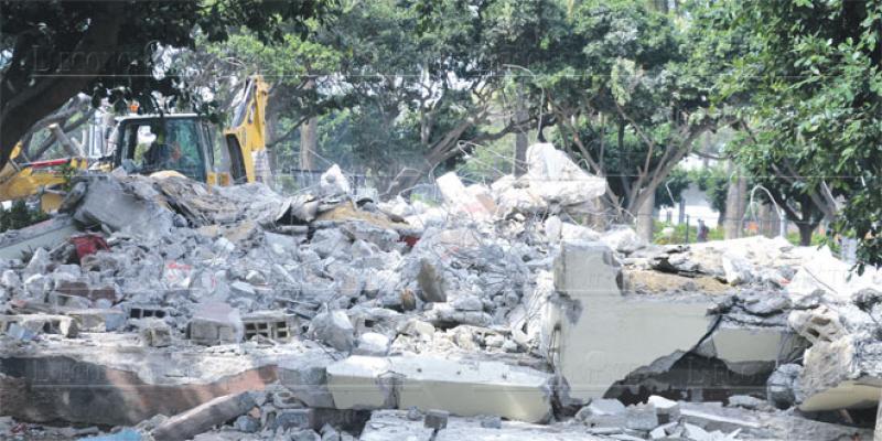 Parc Ligue arabe: Les cafés enfin démolis!
