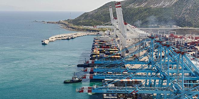 Tanger Med s'allie à la Douane