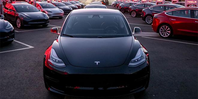 Automobile: Tesla, le constructeur le plus cher du monde