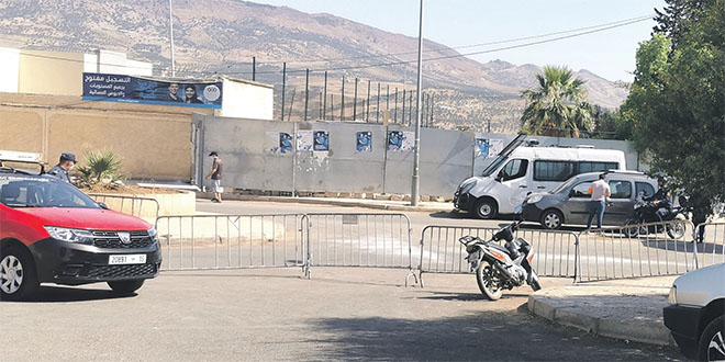 le_quartier_sahb_el_ouard_est_barricade.jpg