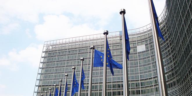 Droits de douane : L'UE sanctionne Londres