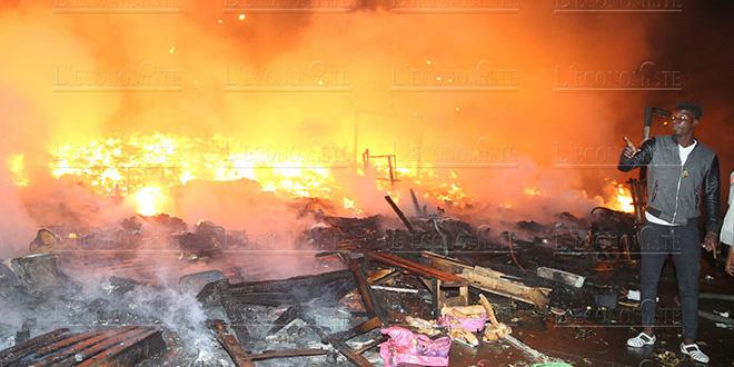 DIAPO-Migrants subsahariens: Le campement d'Ouled Ziane prend feu