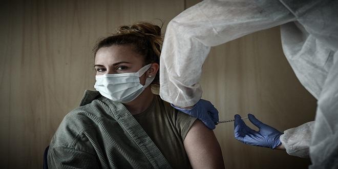 Covid-19: La moitié des Français ont reçu une dose de vaccin