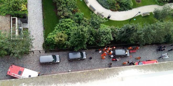 Paris : Une voiture fonce sur des militaires