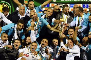 Le club algérien de Entente Sportive de Sétif a remporté la Ligue des champions d'Afrique de football à l'issue du match nul (1-1) samedi à Blida (Algérie) en finale retour, face aux Congolais de l'AS Vita Club. L'Es Sétif participera à la coupe du monde des clubs qui se déroulera au Maroc en décembre