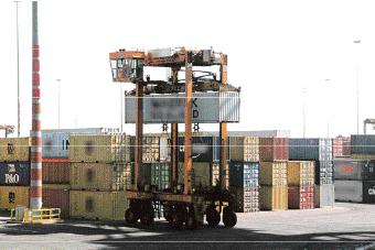 Stratégie logistique: Quatre contrats d'application prêts