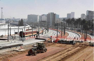 Quelque 311 voitures classiques et 14 trains automoteurs ont été rénovés par l'ONCF. La première rame automotrice rénovée effectue son premier voyage à destination de l'aéroport Mohammed V aujourd'hui même